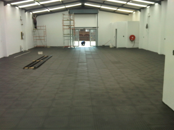 Pvc floor tiles and floor mats for warehouses and storerooms